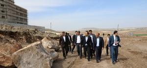 Büyükşehir yeni yerleşim alanlarına yeni yollar açıyor