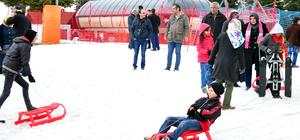 Şehit ve gazi yakınları Ilgaz Dağı'nda karın keyfini çıkardı