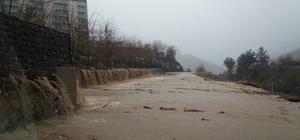 Turizm köyü sel sularına teslim oldu