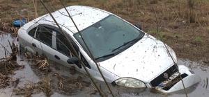 Soğuk ve yağışlı hava, kazaları da beraberinde getiriyor.