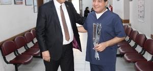 Karpuzlu Belediye Başkanı Tuğrul Ozan, sağlıkçıların bayramını kutladı