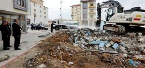 Yeşilyurt Belediyesi, üç yılda 136 metruk bina yıkımını gerçekleştirdi