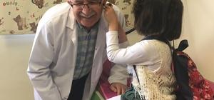 Öğrenciler, Doktorların 14 Mart Tıp Bayramını kutladı