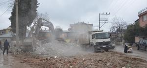Davud-i Kayseri Hazretleri Türbesinin etrafındaki evler yıkılıyor