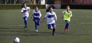 Konak'ta 720 öğrencinin katılımıyla turnuva