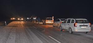 Askeri araçların geçişi sırasında trafik kazası