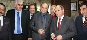 Bakan Akdağ MHP Erzurum İl Başkanlığını ziyaret etti