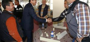 Ekonomi Bakanı Zeybekci'den mahalleye spor salonu sözü