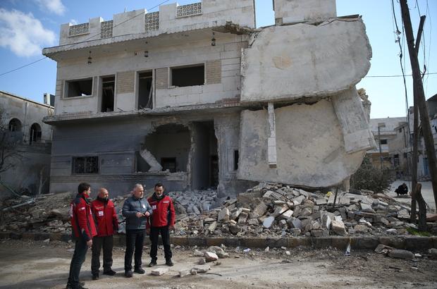 Suriye rejiminin kuşattığı Vaer ilçesinden tahliyeler