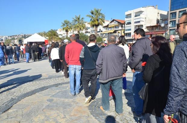 Kuşadası Belediyesi 'Nutuk' dağıttı
