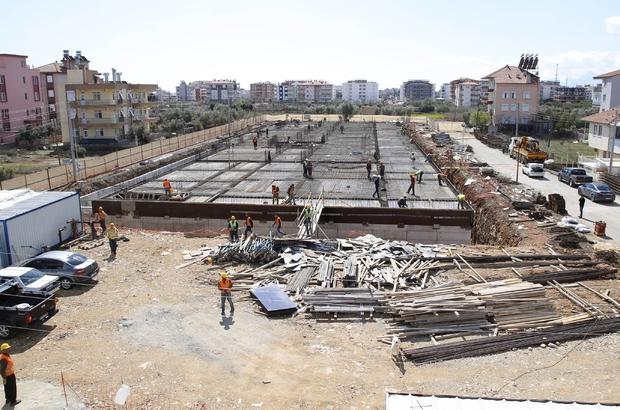 Döşemealtı Hastanesi inşaatı devam ediyor