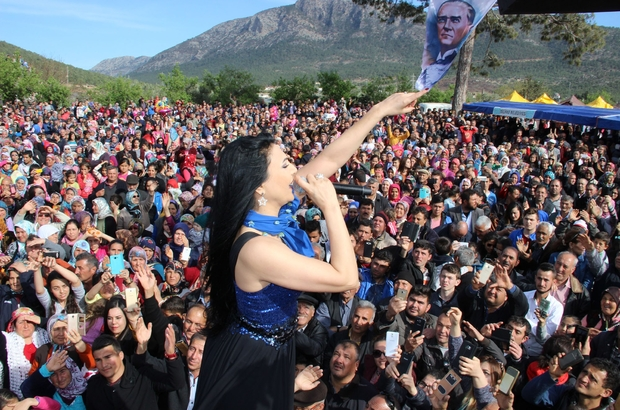 Silifke'de Çağla Festivali