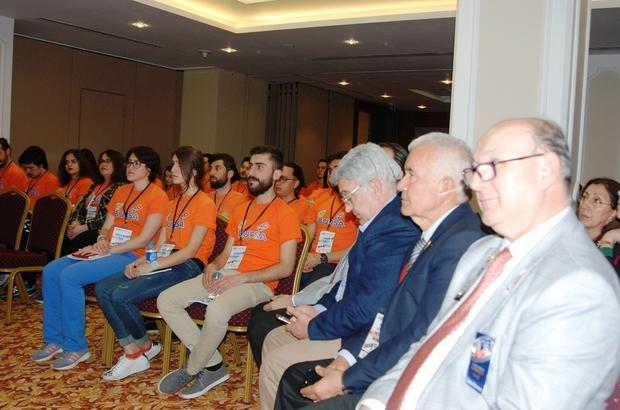 Demirtaş Rotary gençlere liderlik ve mizahı anlattı