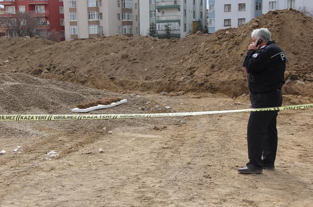 Afyonkarahisar'da toprağa gömülü top mermileri bulundu