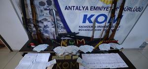 Antalya'da suç örgütü operasyonu: 19 gözaltı