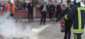 Öğretmenlere yangın söndürme ve kurtarma tatbikatı yaptırıldı