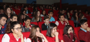 Prof. Dr. Özgün'den öğrencilere meslek seçimi uyarısı