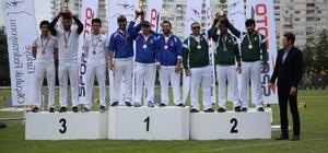 İzmir'e çifte şampiyonluk