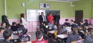 Ergani'de bin 500 öğrenciye giyim ve kırtasiye yardımı
