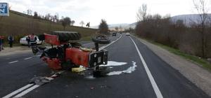 Otomobil traktöre çarptı: 1 ölü