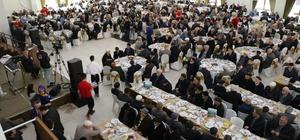 Kumru'da 700 yaşlı insan yemekte bir araya geldi