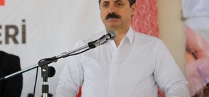 Bakan Çelik referandum çalışmalarını Suruç'ta sürdürdü