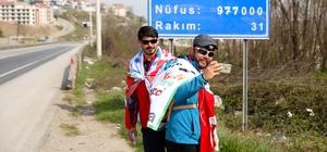 """""""Kardeşliğe Evet"""" için 850 kilometre yürüdüler"""