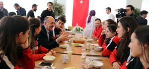 Çalışma ve Sosyal Güvenlik Bakanı Müezzinoğlu Bursa'da