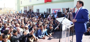 Başkan Ekinci mitingde yüzlerce kişiye seslendi