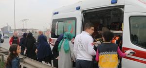 Servis midibüsü ile halk otobüsü çarpıştı: 19 yaralı