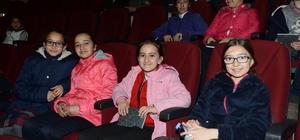 AŞT Şırnak'a tiyatro dolu günler yaşattı