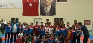 Biga karate gençlik spor kulübü genel klasmanda şampiyon