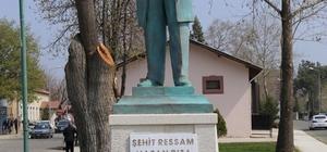 Şehit ressam Hasan Rıza'nın heykeli açıldı