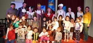 Dünya Tiyatrolar Günü çocuklara özel oyun ile kutlandı