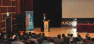 """Akşehir Belediyesi'nden """"Yeni Anayasa, Yeni Türkiye"""" konulu konferans"""