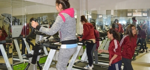 Şırnak'ta gençler için spor salonu açıldı