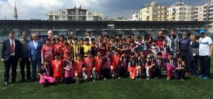 Gazipaşa Ortaokulu futbolda il birincisi oldu