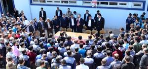 Ak Parti Genel Sekreteri Gül fabrika işçilerine Anayasayı anlattı