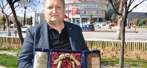 GAP Gazeteciler Birliği Genel Başkan Vekili Özpolat'a Kazakistan'da anlamlı ödül
