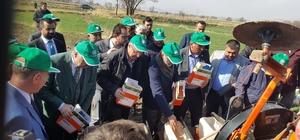 Milletvekili Yıldız ve Başkan Çelik şeker pancarı çiftçileri ile bir araya geldi