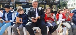İzmit'te 'büyüklerimle kitap okuyorum' etkinliği