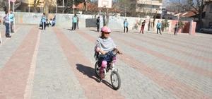 Gölbaşı Gazi İlkokulu öğrencilerine trafik eğitimi verildi