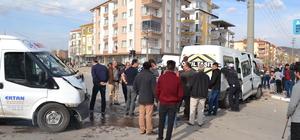 Aksaray'da öğrenci servisi ile minibüs çarpıştı: 4 yaralı