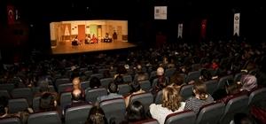 """Maltepe Tiyatro Festivali """"Ters Köşe"""" ile sona erdi"""
