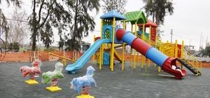 Döşemealtı Belediyesi park ve yeşil alanları sezona hazırlıyor