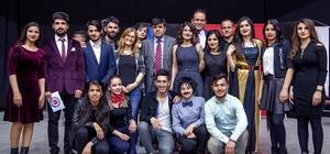 Hakkari'de müzik dinletisi ve tiyatro gösterisi