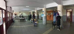 NEÜ öğrencileri engelliler okulunu donattı