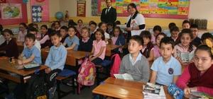 İlköğretim öğrencileri ağız ve diş sağlığı ile ilgili bilgilendirildiler