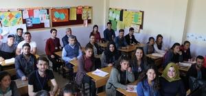 Adıyaman Üniversitesinden köy okuluna kütüphane