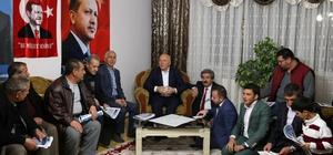 Başkan Sekmen ev toplantılarında yeni hükümet sistemi'ni anlatıyor